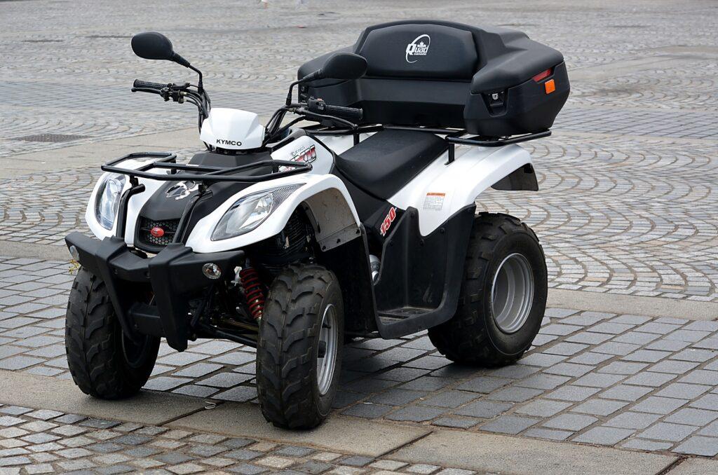 Transport motocykla lub quada – jak sobie z tym poradzić